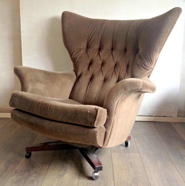 Vintage G Plan 6250 Swivel Chair Brown before Restoring