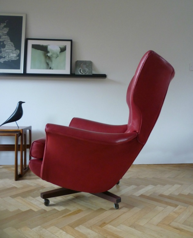 Vintage G Plan 6250 Swivel Chair in custom red leather side